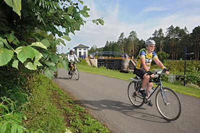 Erie-canal-cyclist.jpg
