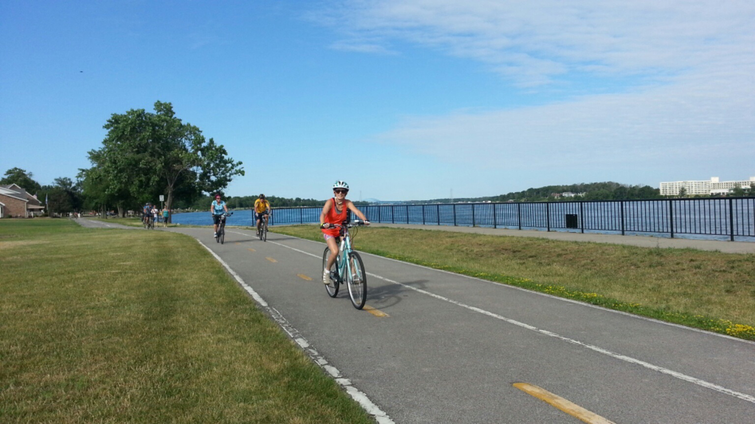 CTEC_17_riding_along_Niagara_River.jpg